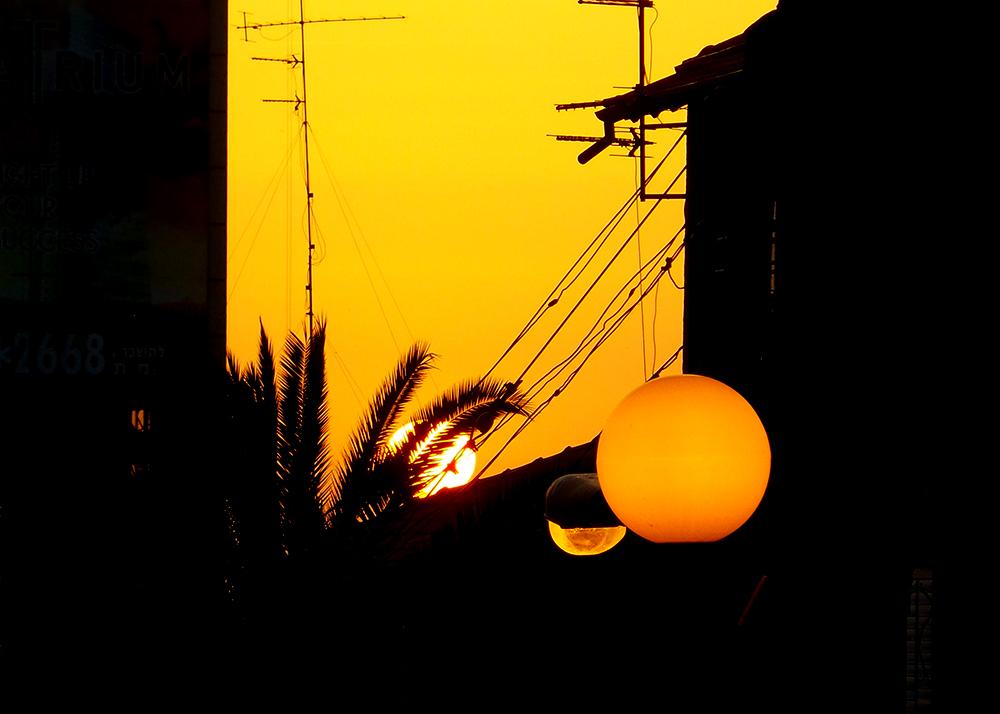 round sunset